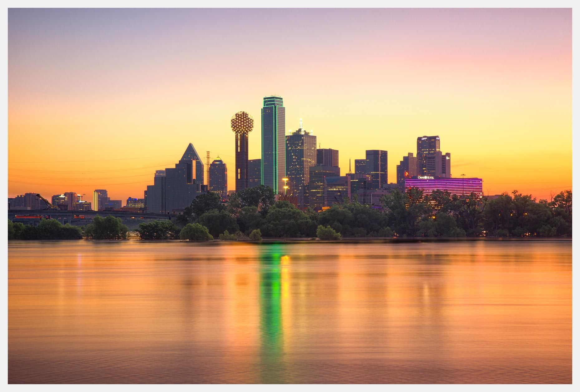 Dallas-Skyline-at-Sunrise