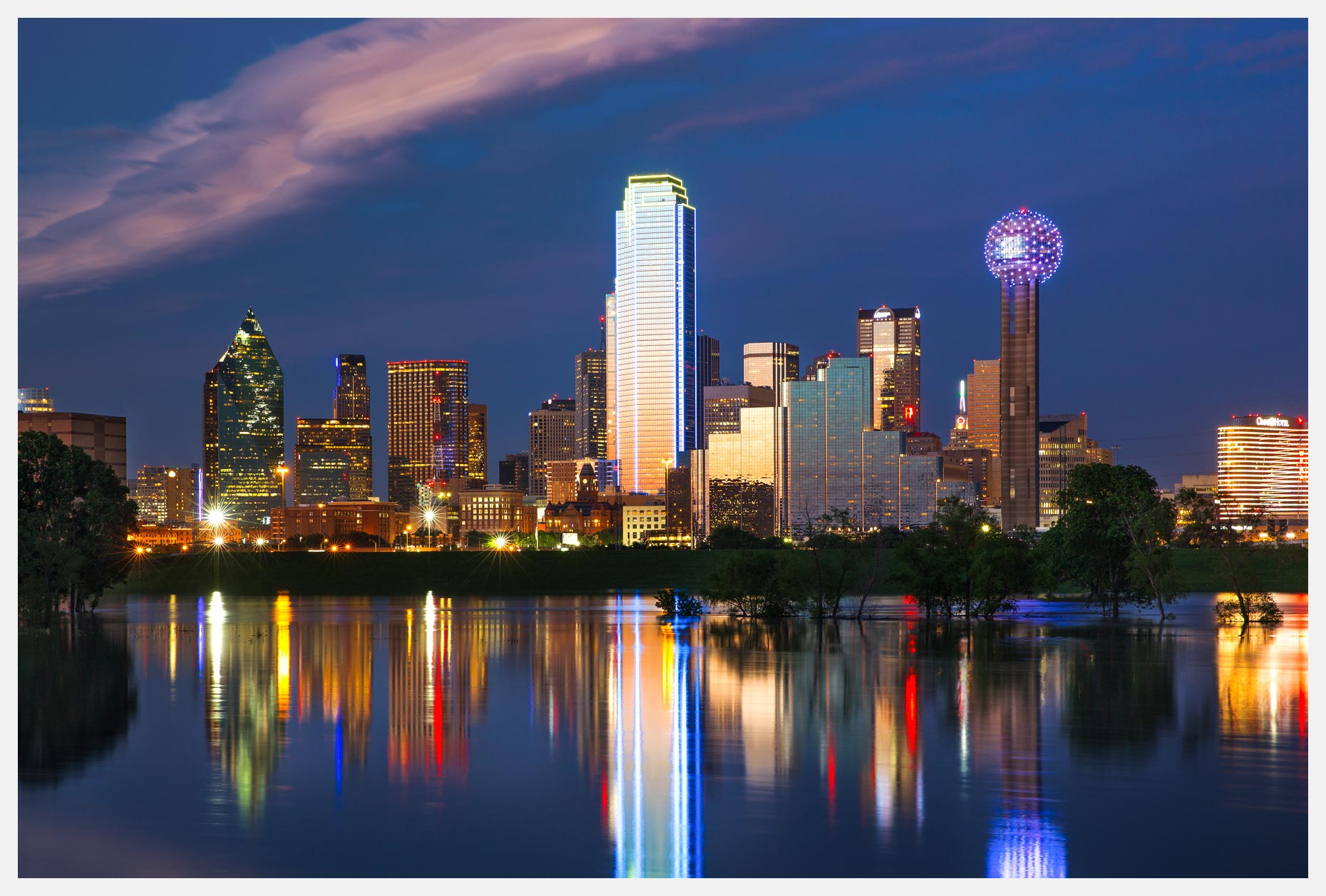 Dallas-skyline-with-reflection-at-dusk
